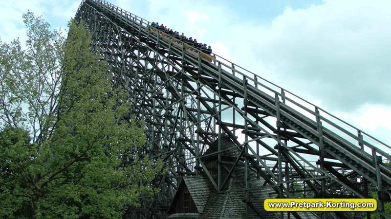 Heide-park Colossos houten achtbaan