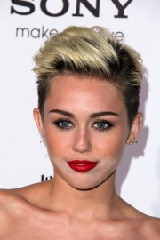 miley cyrus diverse short hairstyles