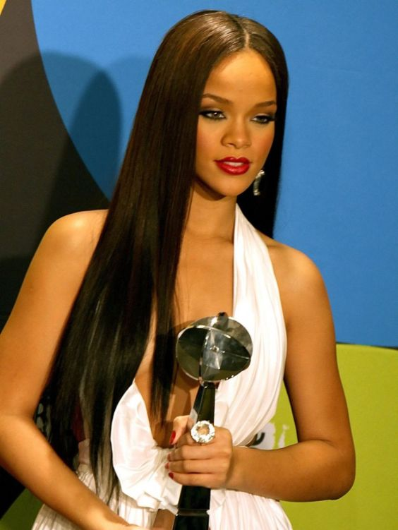 rihanna sleek look