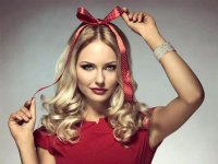 Christmas Hairstyles & Hair Accessories to Meet 2017 ...