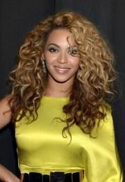 trendiest celebrity curly hairstyles