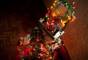 Booklover's Christmas Tree, photo from WikiHow