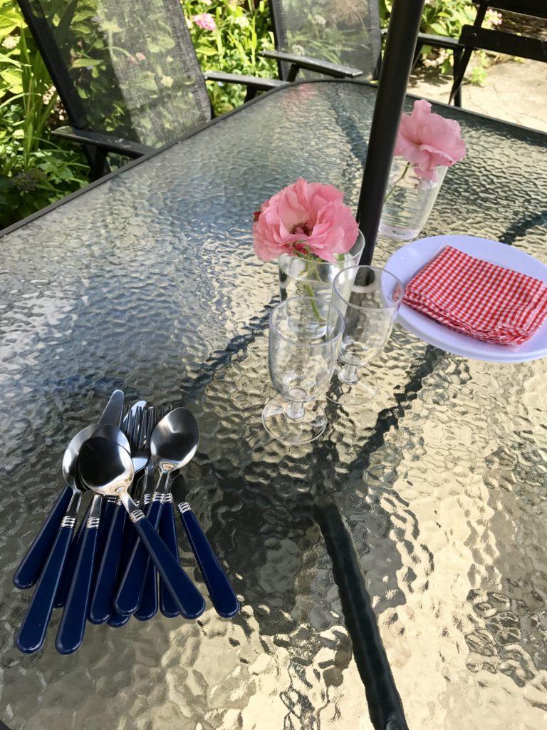 The perfect picnic - mummy blogger - pretty big butterflies