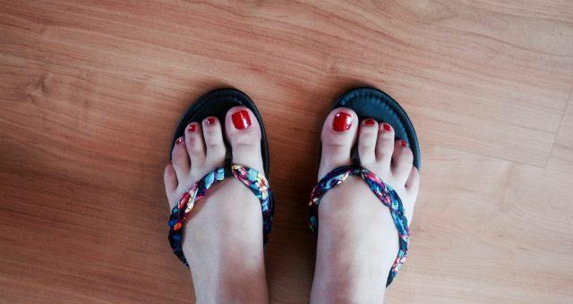 Het geluid van zwetende voeten op kantoor