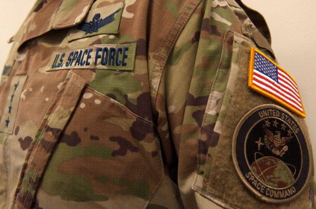 Space Force kiest voor camouflageprint in de ruimte