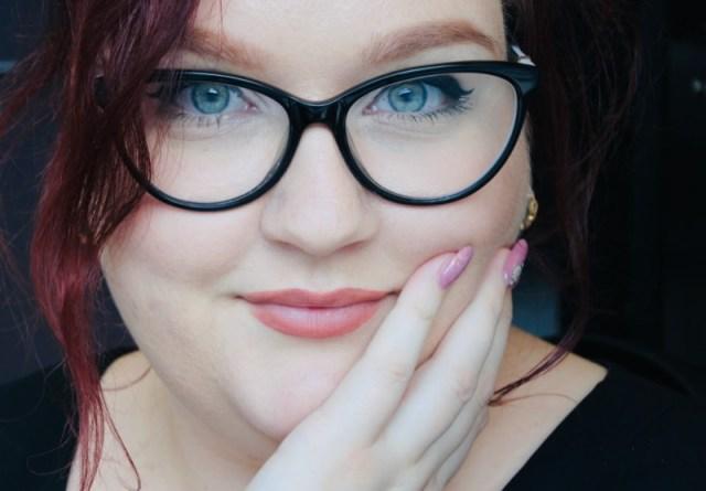 3 tips: je bril combineren met zakelijke kleding