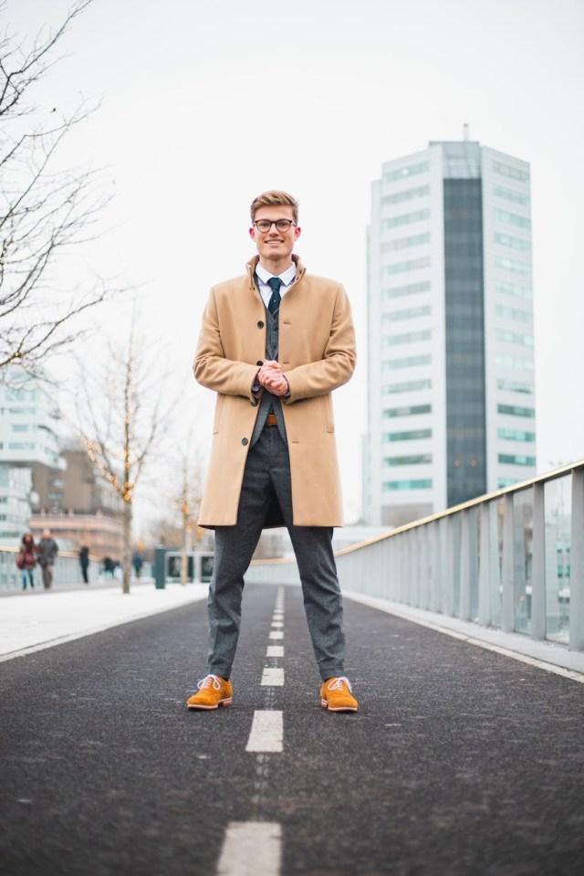 Jort (17) is ondernemer en wil meer jongeren in pak