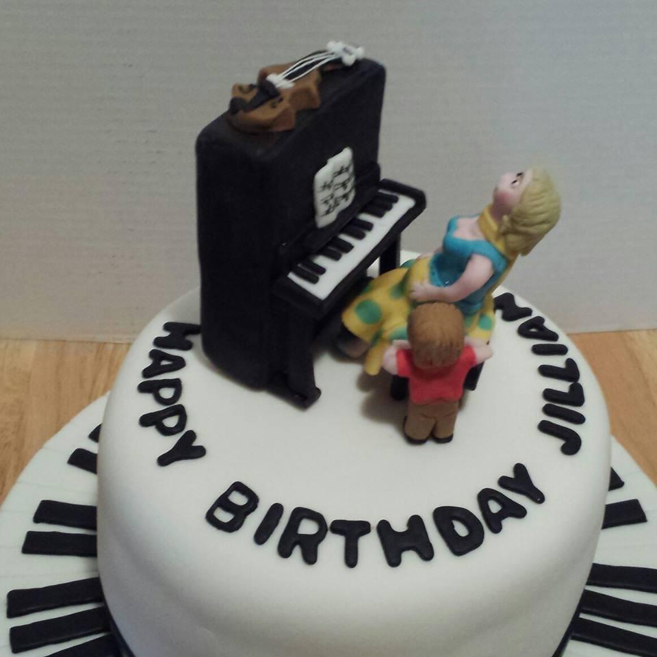 Piano Cake For Jillian Pretty Cakes Pretty Cakes