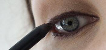 urban decay naked palette 2 tutorial pretty green eyes blue eyes charlotte tilbury mascara Rosie for autograph eyeliner