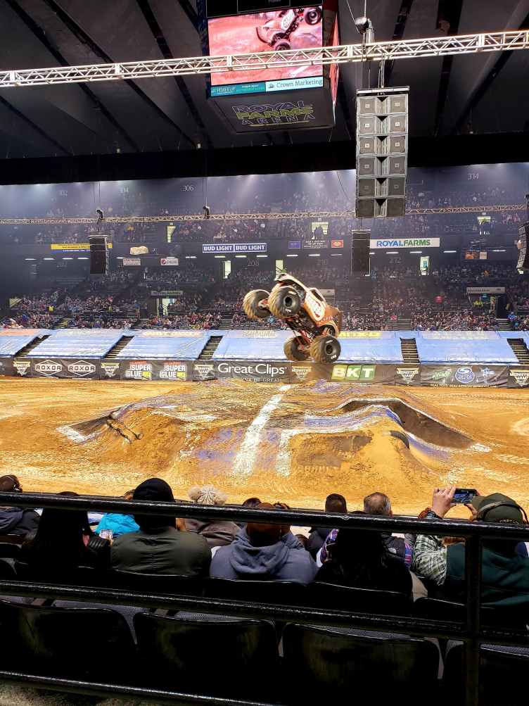 Monster Jam Review - Monster Mutt