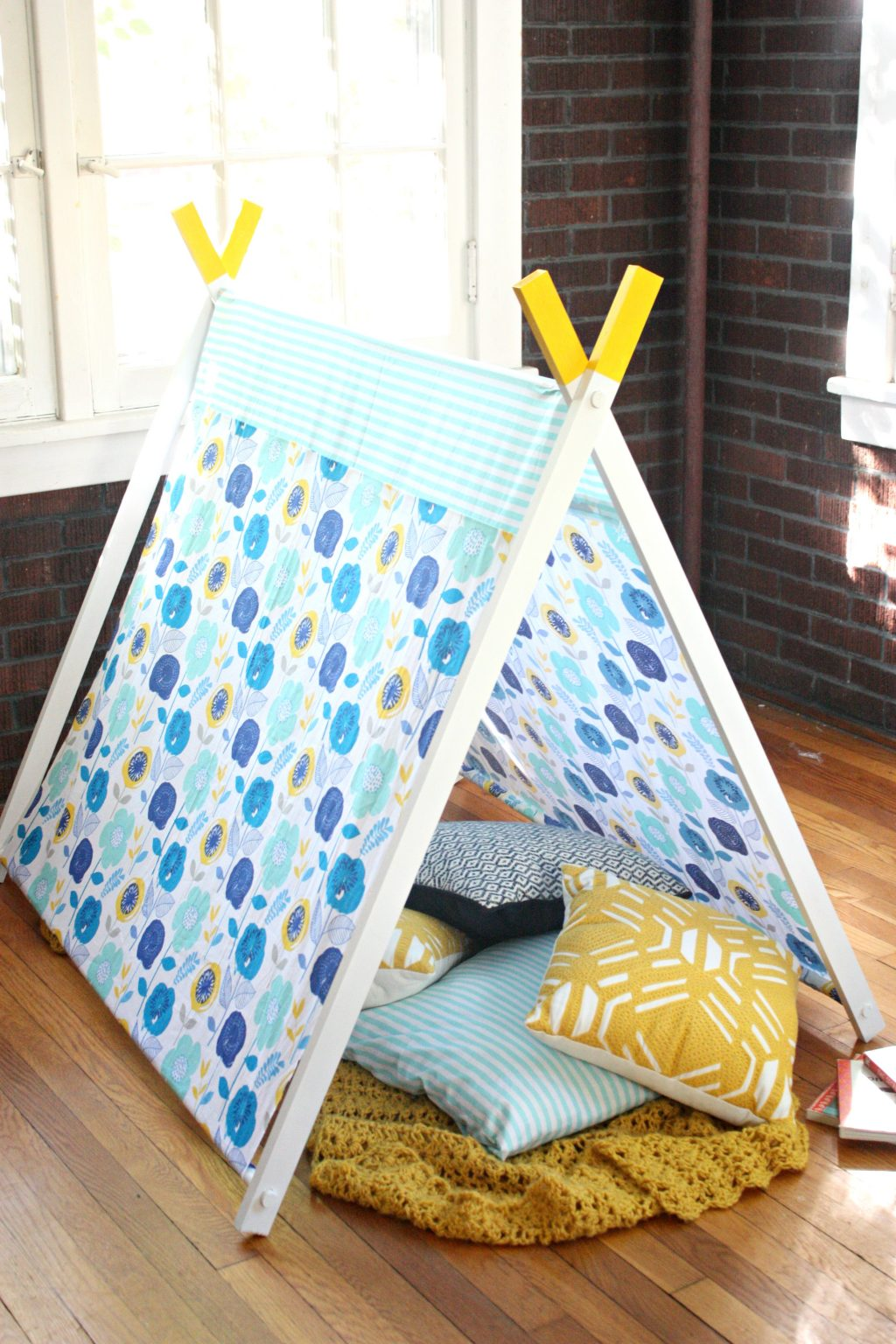 Diy A Frame Play Tent The Pretty Life Girls
