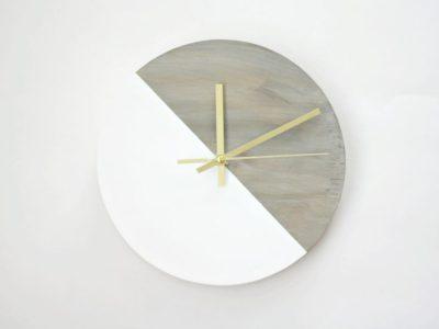 DIY Rustic Reclaimed Barnwood Clock