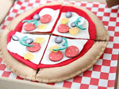 DIY Felt Pizza Party Favors