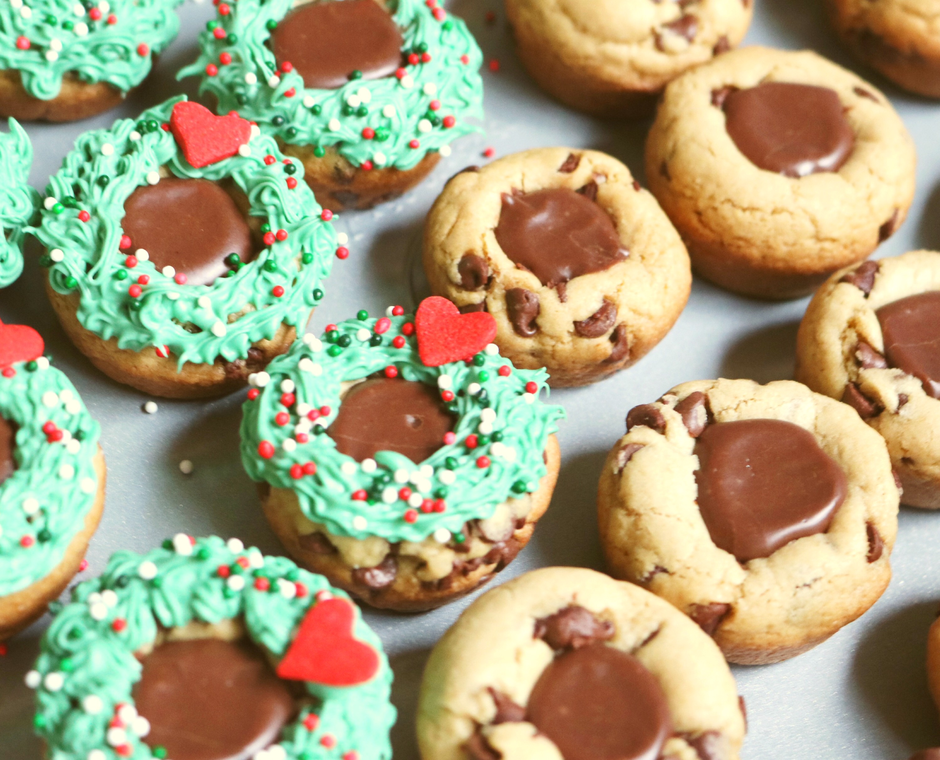 Chocolate Chip Cookie Cups Christmas Edition