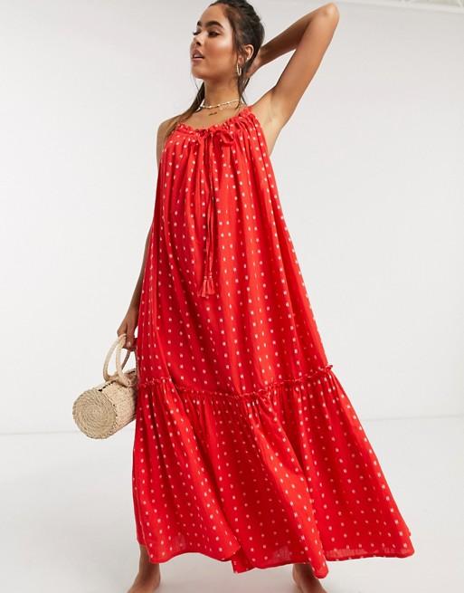 červene šaty na tenkých ramienkach od Accessorize