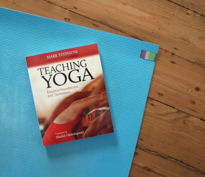 livre teaching yoga