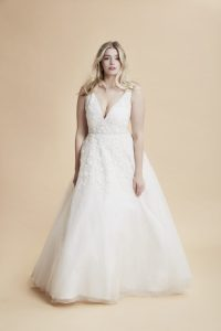 FASHION FRIDAY  PLUS SIZE WEDDING DRESS OF THE DAY