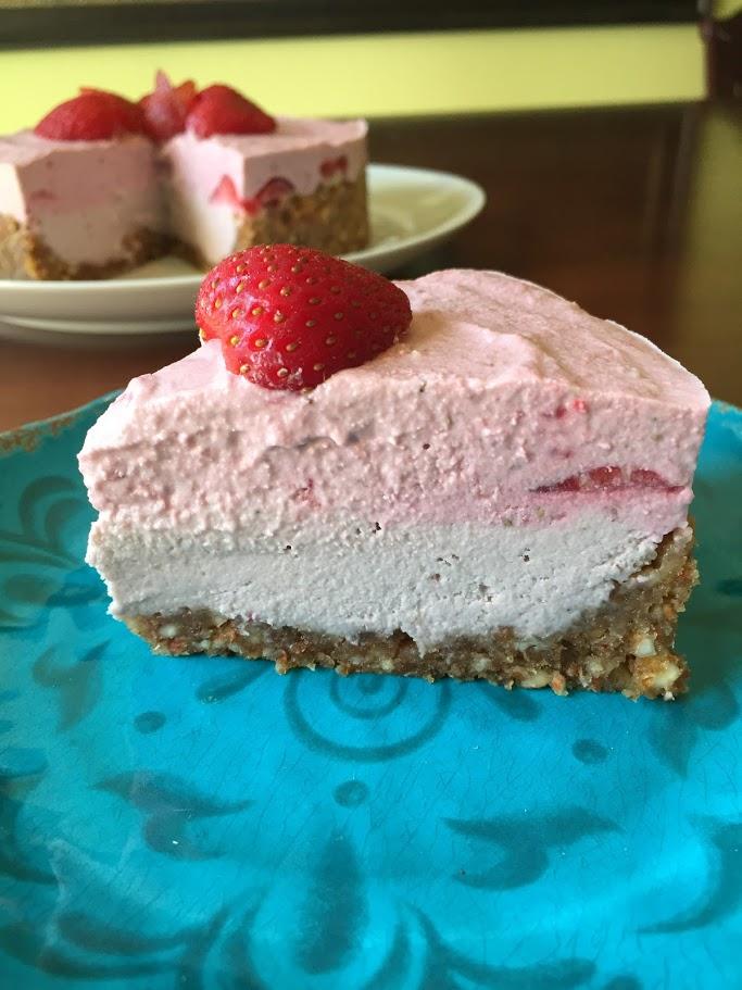 Strawberry Cream Cake b