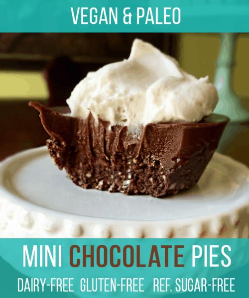Perfectly portioned Mini Chocolate Pies-- with no gluten, dairy, or refined sugar! Super easy, no-bake recipe (Vegan & Paleo) #prettypies #vegandesserts #paleodesserts #glutenfree #dairyfree