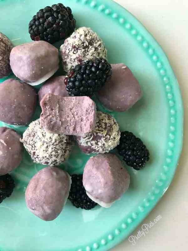 Low Carb Blackberry Cake Balls from PrettyPies.com