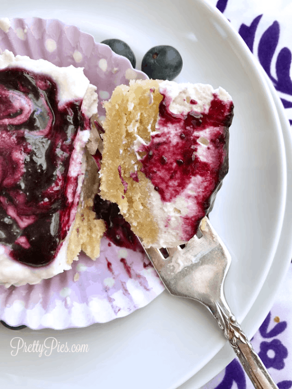 Mini Blueberry Cream Pies - PrettyPies.com