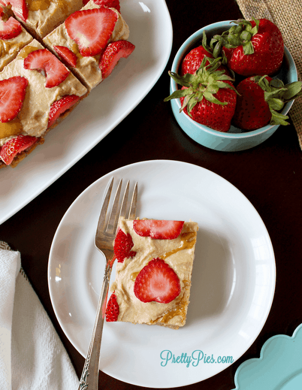 Low-Carb Peanut Butter Strawberry Squares (Vegan & Paleo) PrettyPies.com