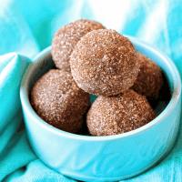 Keto No-Bake Cinnamon Sugar Donut Holes (Gluten/Dairy/Sugar-Free)