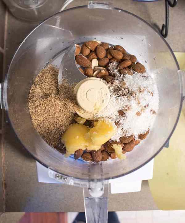 Vanilla Nut Bliss Balls & Breakfast Cookies (keto, paleo, vegan) PrettyPies.com