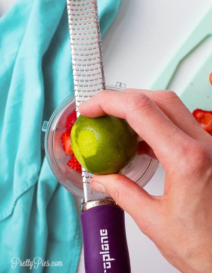Strawberry Lime Popsicles(Keto, Paleo, Vegan) PrettyPies.com