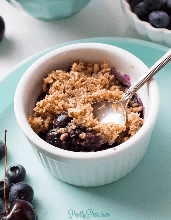 Berry Cherry Crisp (Paleo, Vegan, Low-Carb) PrettyPies.com