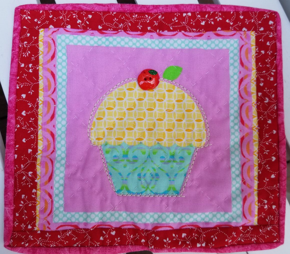 cupcake mug rug