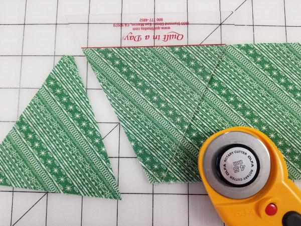 using triangle in a square ruler to cut trees