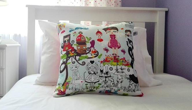 popsiebelle-story-pillow