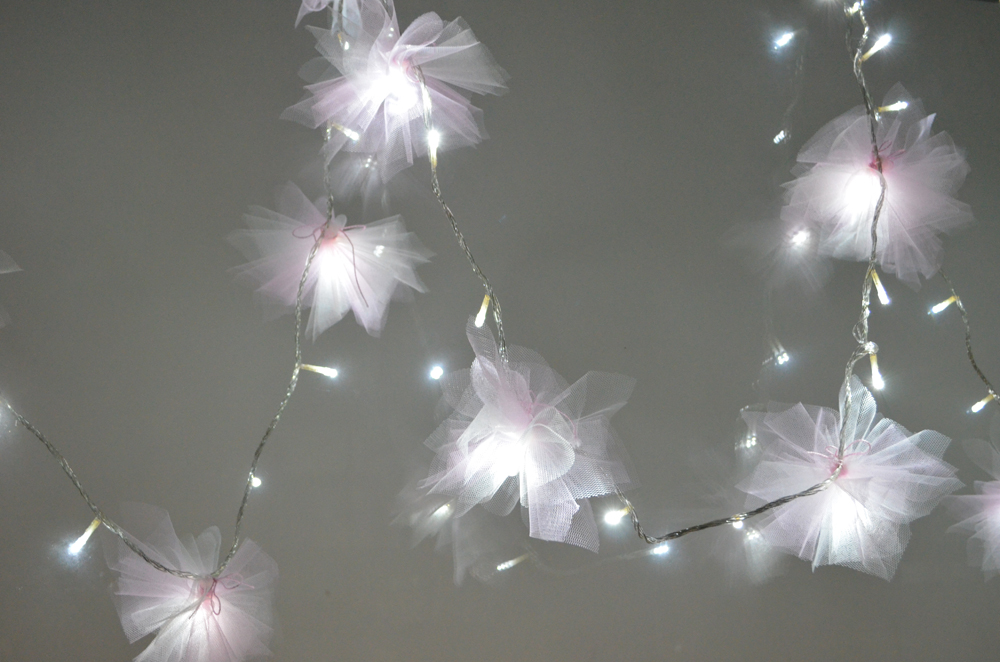 Pretty Quirky Pants  Diy Tulle Flower Fairy Lights