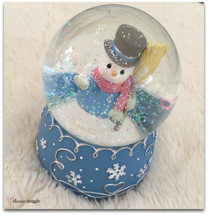 Precious Moments Snowman Snow Globe