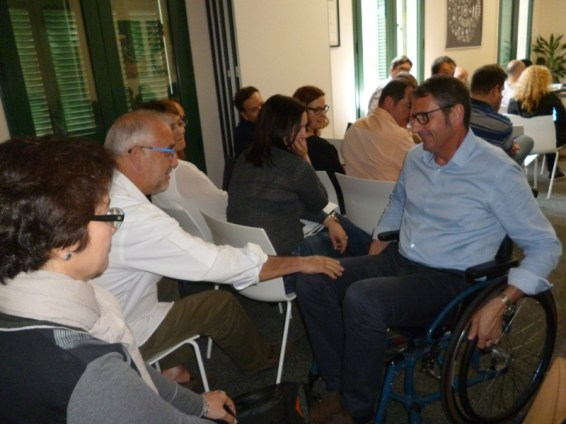 Uso de silla de ruedas por parte de trabajador de Barry Callebaut.