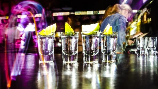 binge-drinking-alcohol-bar-tequila