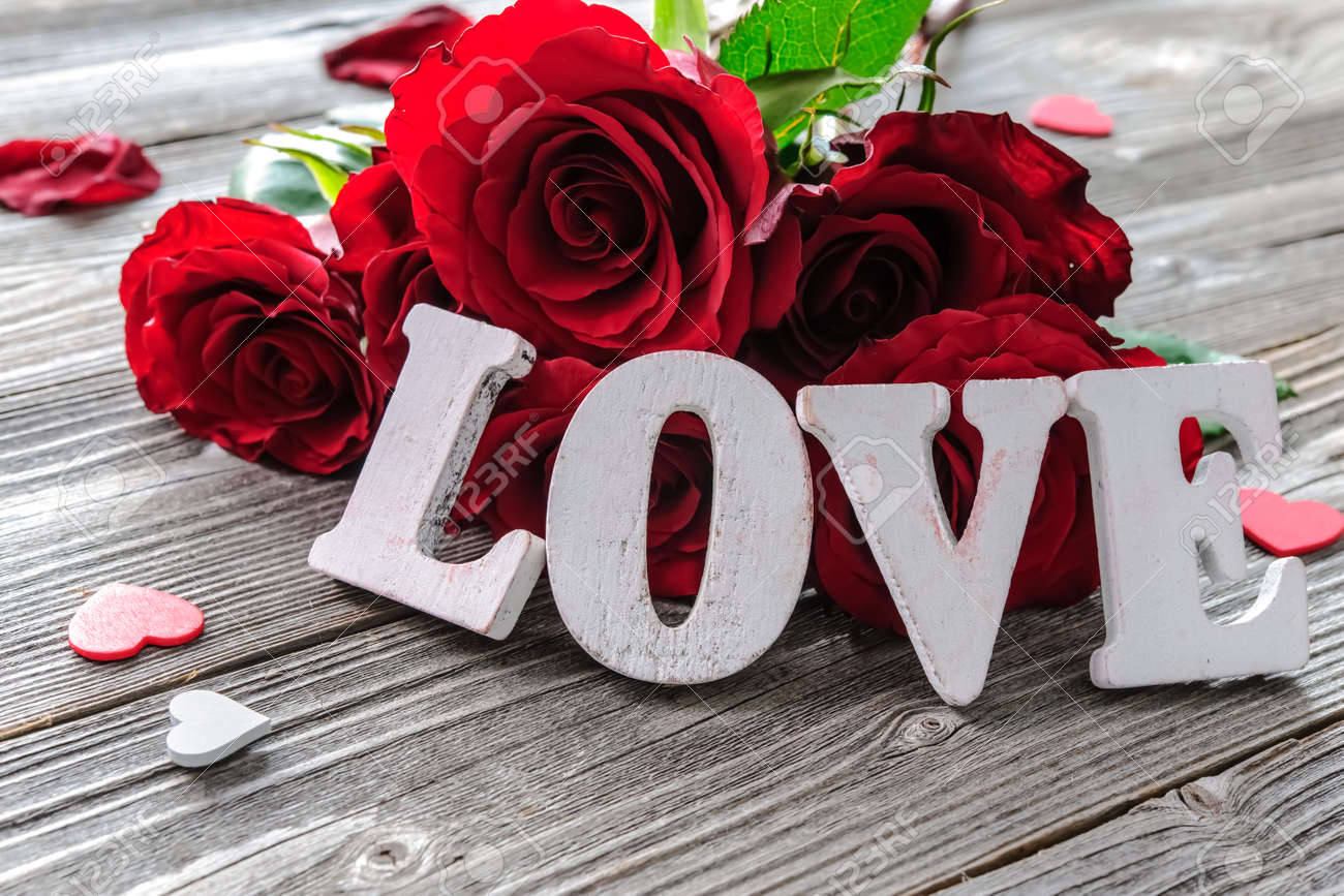 red roses flowers and