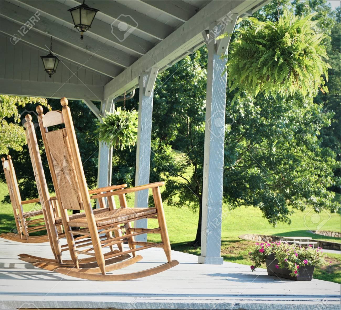 The Wooden Rocking Chairs At The Terrace House With The Beautiful View Of Garden And Big Trees Tenn Usa Fotos Retratos Imagenes Y Fotografia De Archivo Libres De Derecho Image 105573737
