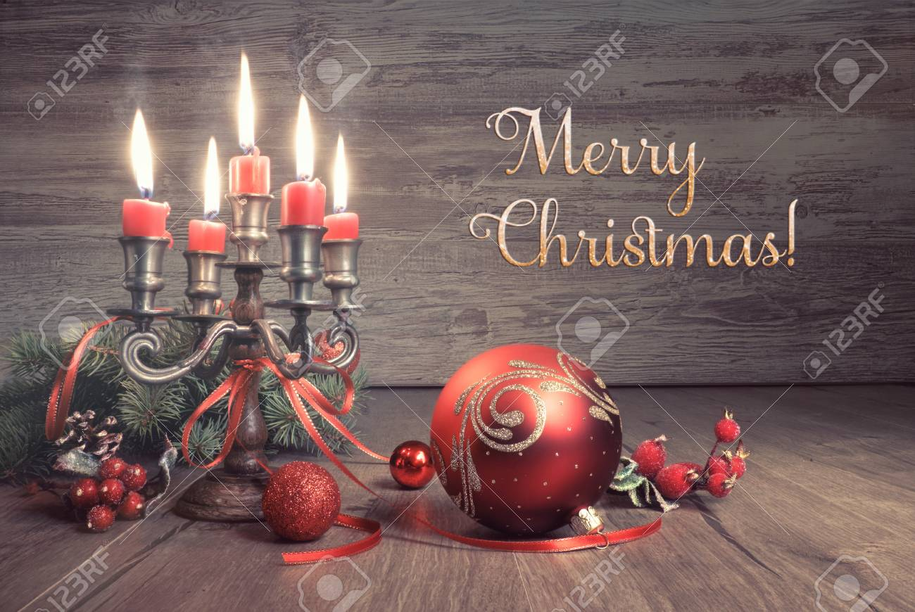Set di 10 biglietti pieghevoli l con design a soli 11,69 € anziché 12,99 €. Vintage Christmas Decorations On Wood This Image Is Toned Text Merry Christmas Stock Photo Picture And Royalty Free Image Image 65941672