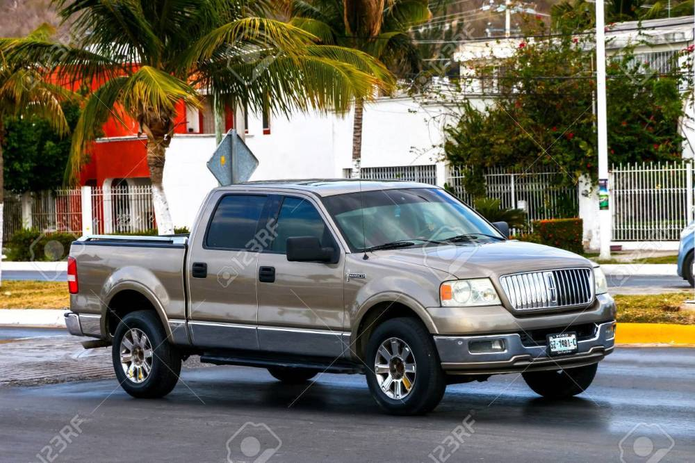 medium resolution of campeche mexico may 20 2017 pickup truck lincoln mark lt in the