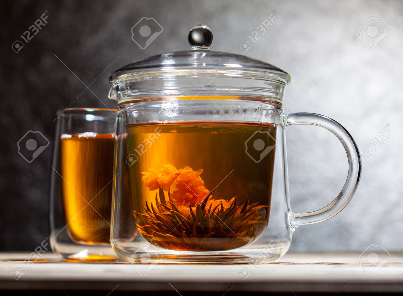 https fr 123rf com photo 48251646 le th c3 a9 vert chinois avec une fleur dans la th c3 a9i c3 a8re en verre transparent html