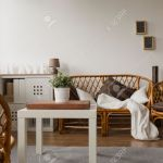 Gemutliches Modernes Wohnzimmer Mit Korbmobel Lizenzfreie Fotos Bilder Und Stock Fotografie Image 42429968