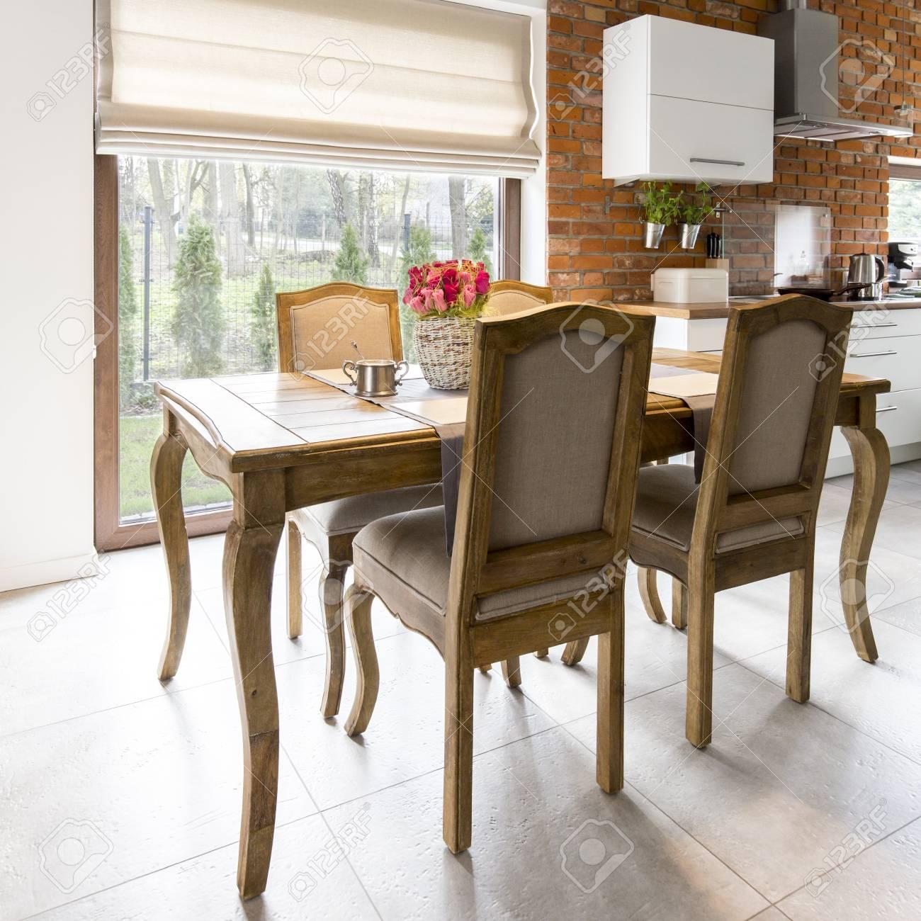 Chaises Modernes Pour Table Ancienne | champagneandbeyond1.com