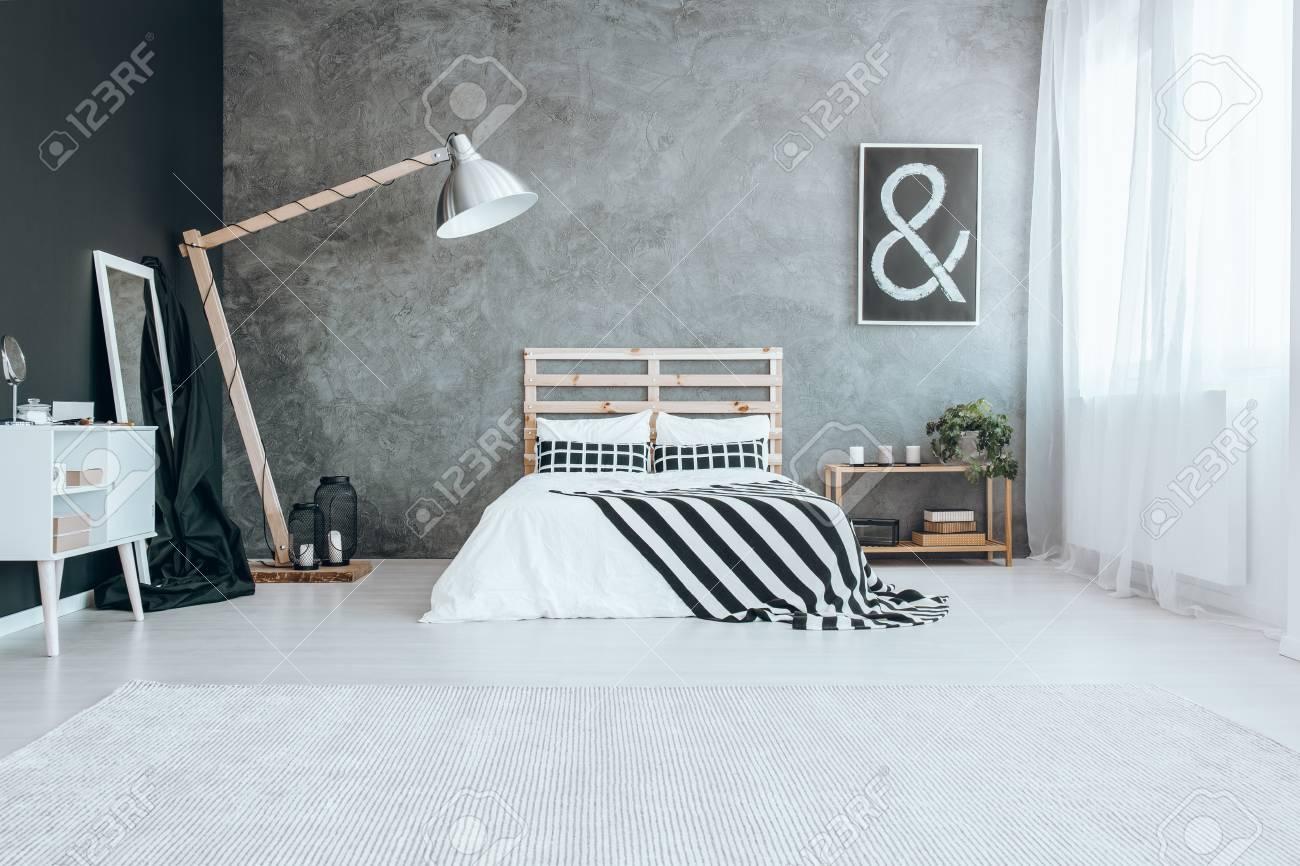 grand tapis blanc sur le sol dans la chambre a coucher moderne avec fenetre banque d images et photos libres de droits image 87277528