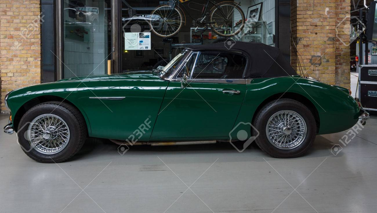 hight resolution of berlin may 10 2015 the roadster austin healey 3000 mk 3