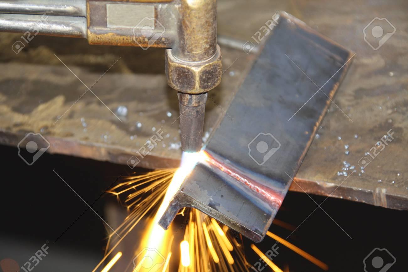 Cornice Cutting Tool