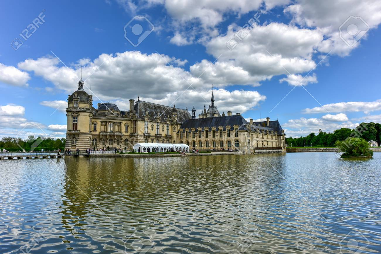 banque d images chateau de chantilly chateau historique situe dans la ville de chantilly france