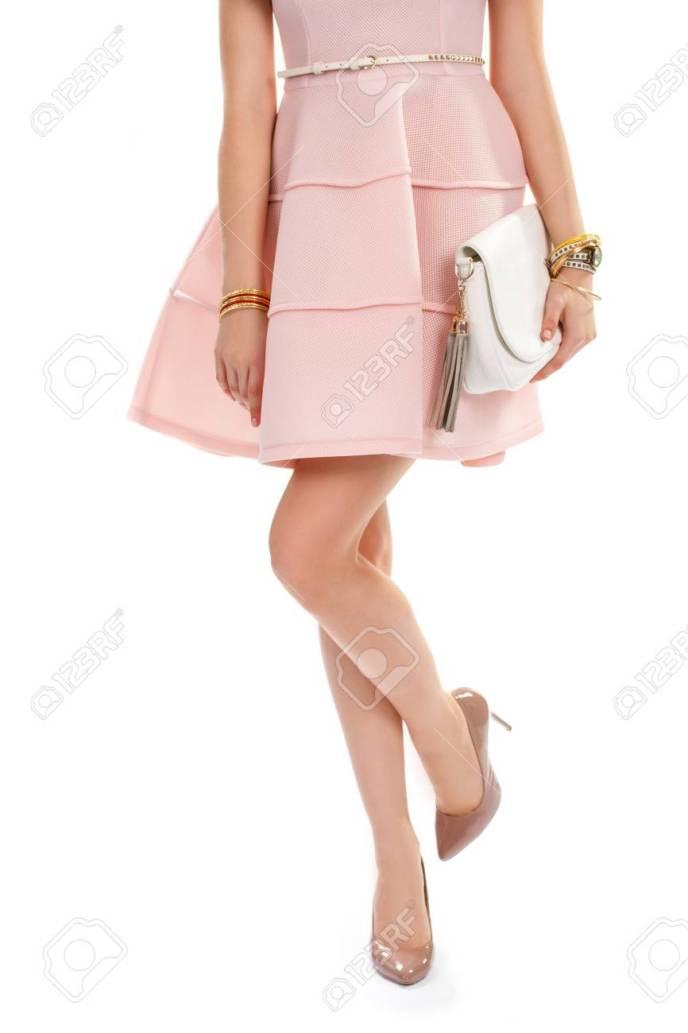 569a48a539 La Mujer En Zapatos De Tacón Color Beige Vestido Corto. Vestido Marron.  Vestido Marron. Vestido Marron. Vestido Salmón Tienda Online De Vestidos  Colores
