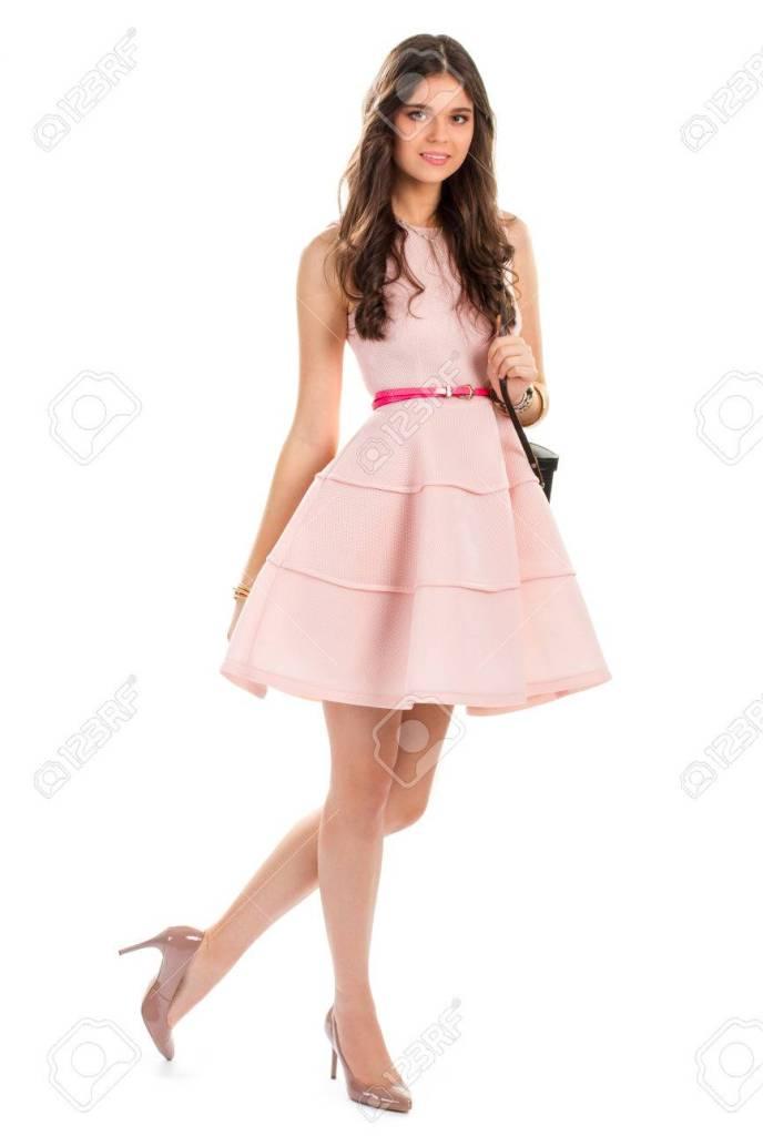 20d44a129d Mujer En Los Talones De Color Beige Vestido Salmón Y Cinturón. Vestido De 15  Años Salmon Kayarall Alta Costura